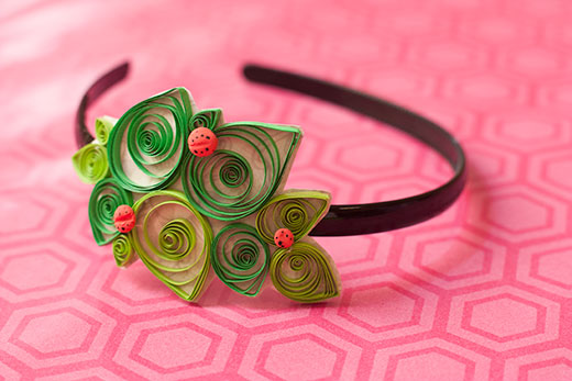 paper quilling desigsn hair accessories