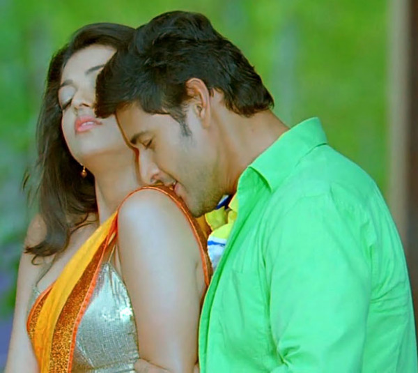 Kissing Wallpaper: Hot! Top 35+ Kajal Aggarwal Wallpapers HD Images Photos