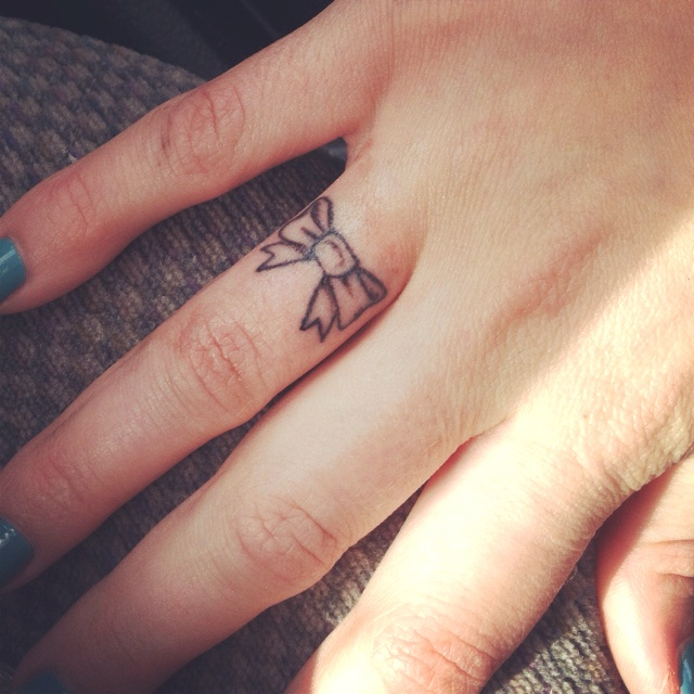 Top 100 best tattoo designs for girls and women for Finger tattoo ideas