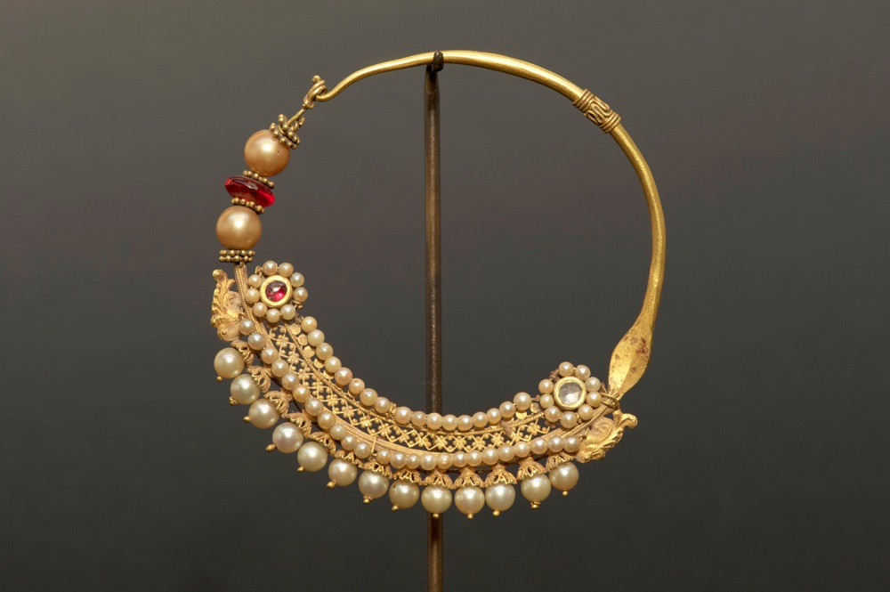 gold nose rings collection