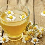 15 Surprising Health benefits Of Chamomile Tea On Hair, Skin & Health