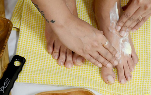 moisturizing your feet