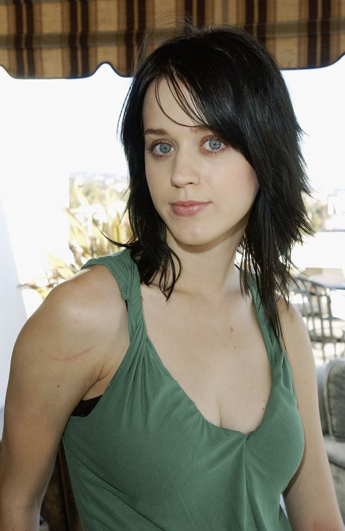 10 Images Of Hollywood Actress Katy Perry Without Makeup