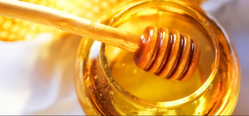 Health Benefits Of Honey For Face Skin & Its Uses