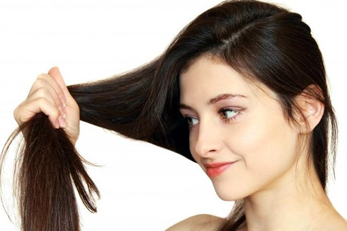 Castor Oil Condition Hairs