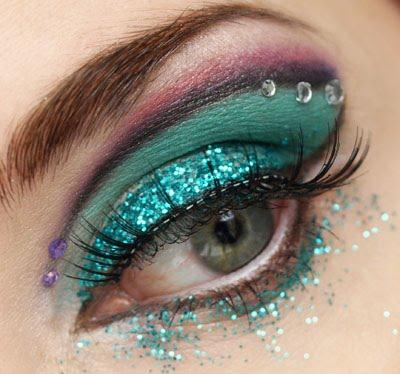 beautiful glitter eye make up