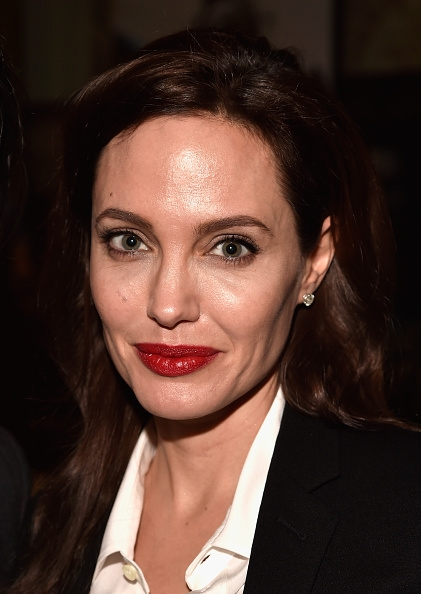 No makeup yet so beautiful Angelina Jolie