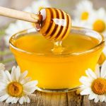 10 Amazing Health Benefits Of Honey For face, Skin & Its Uses