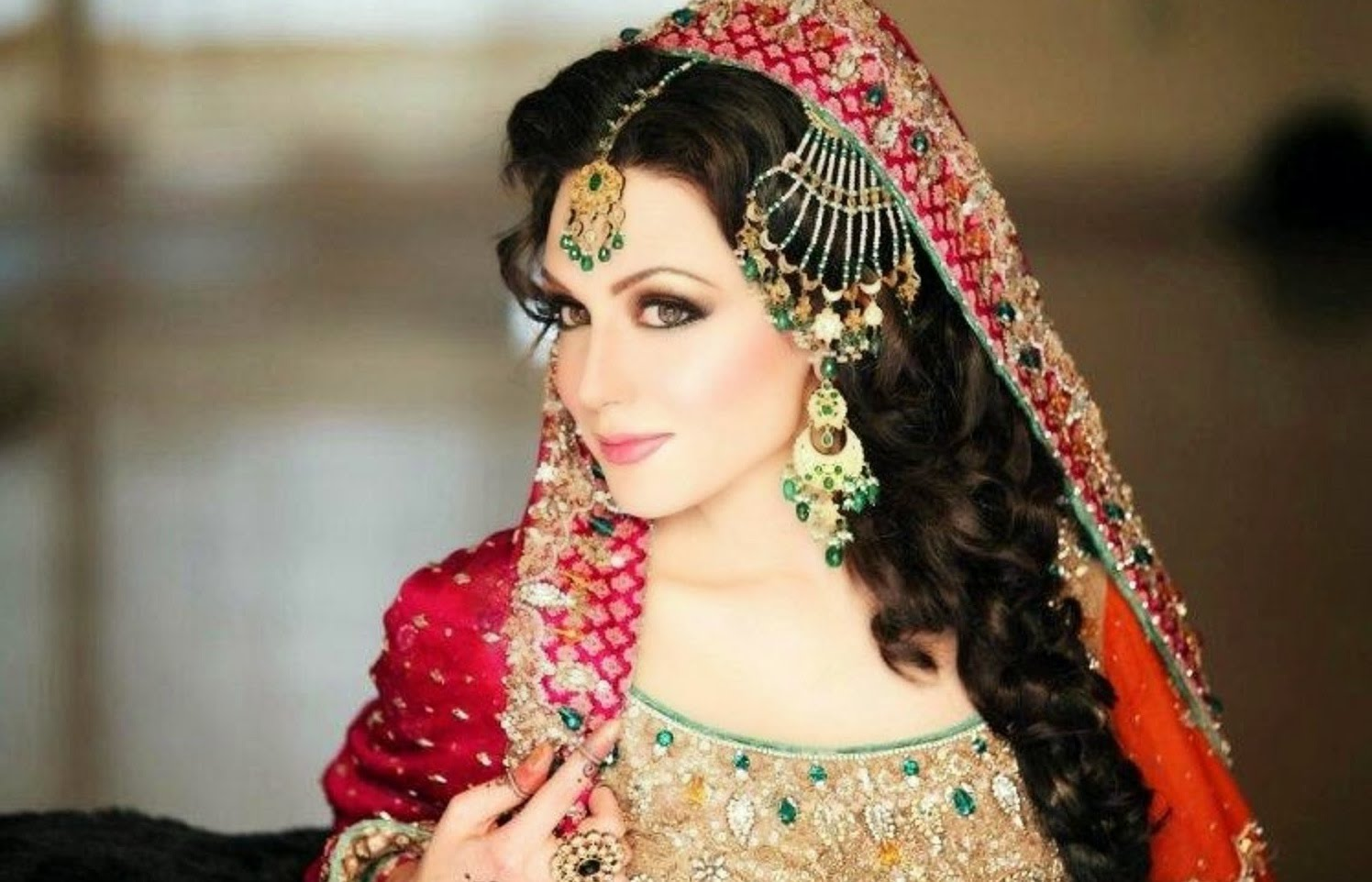 Top 10 Most Beautiful Pakistani Women In The World