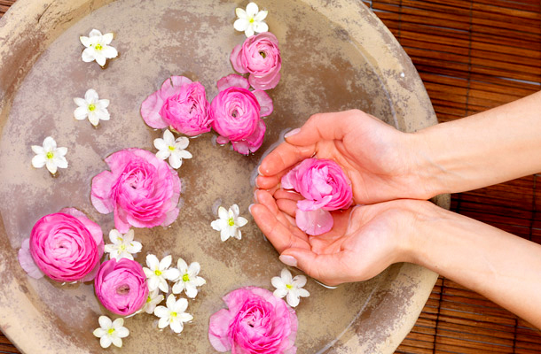 rose water effect on skin