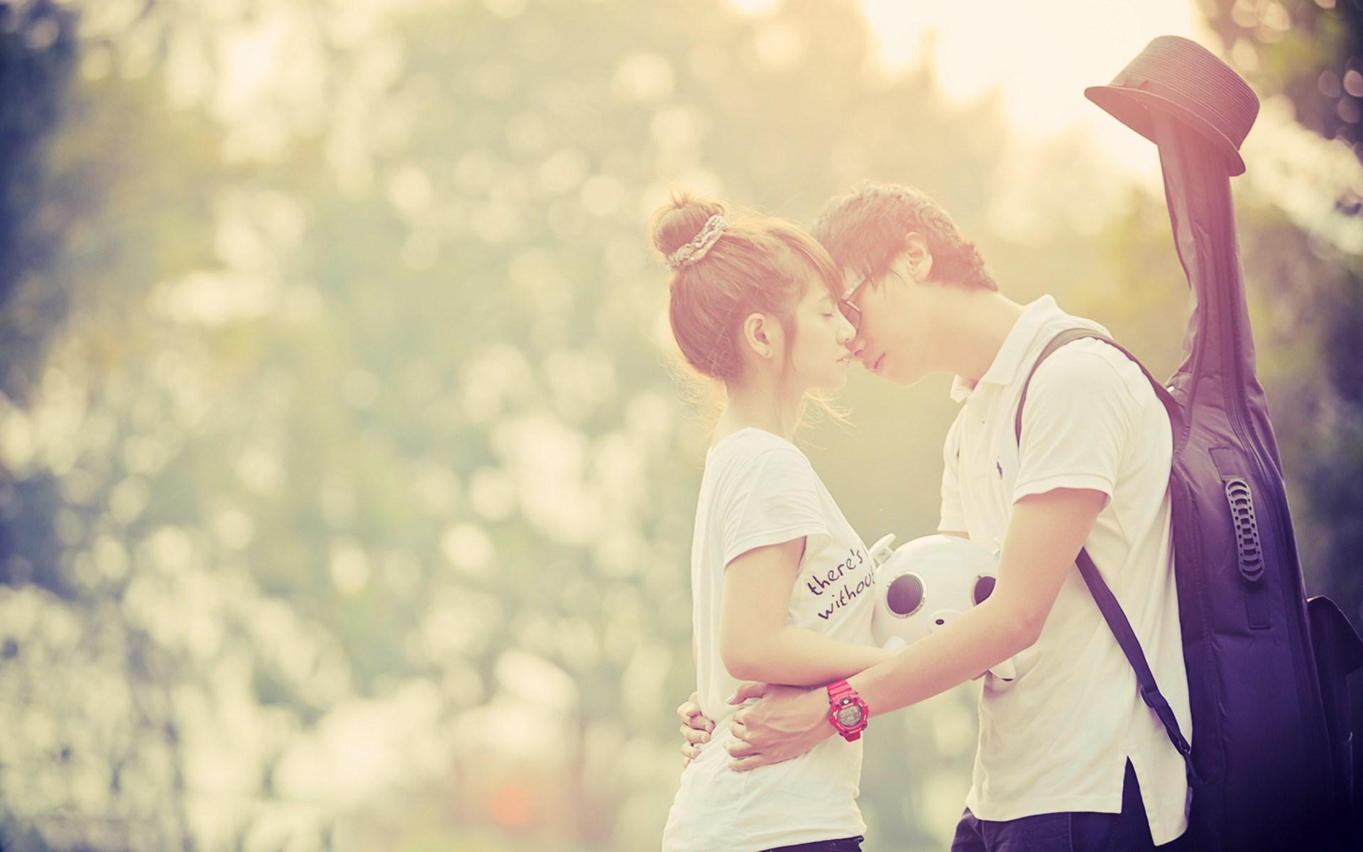 Hot-Couple-Love-Wallpaper