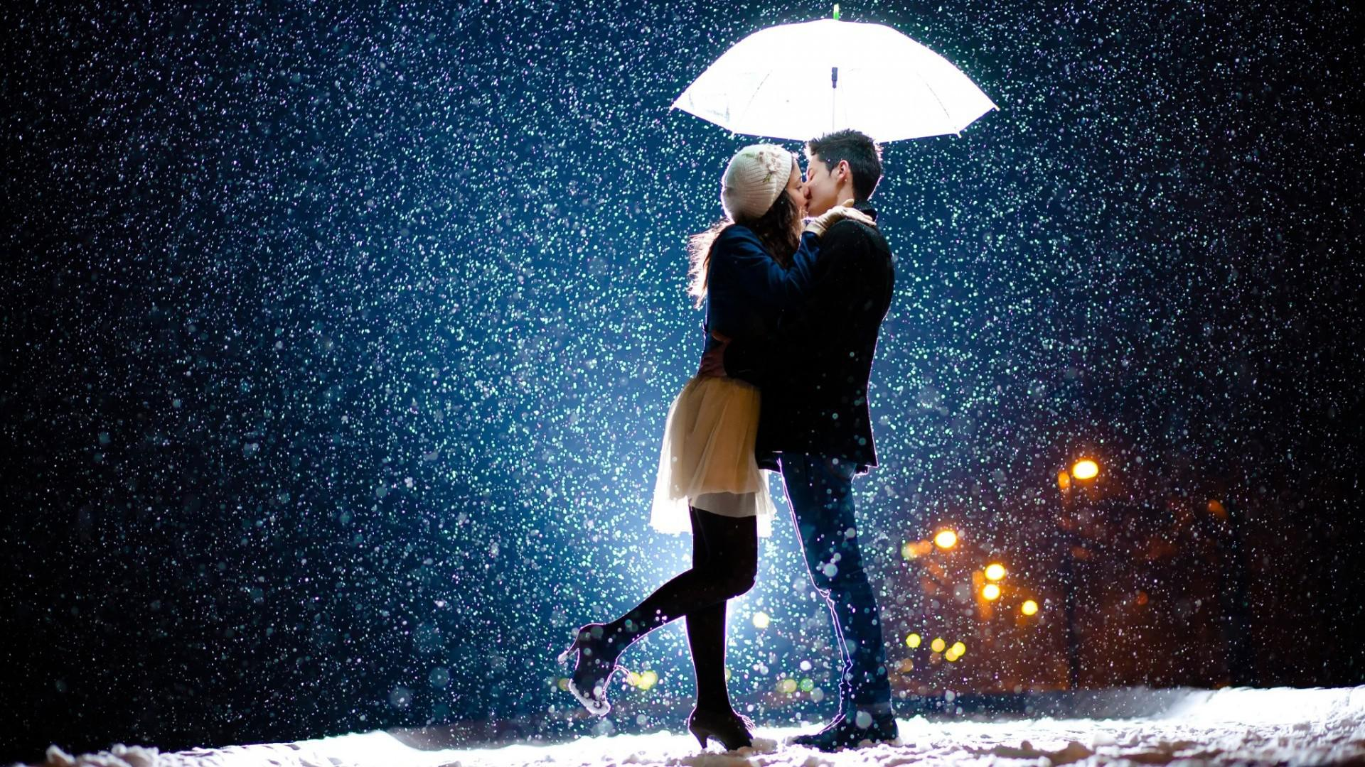 Hot-Couple-Love-Wallpaper For WideScreen
