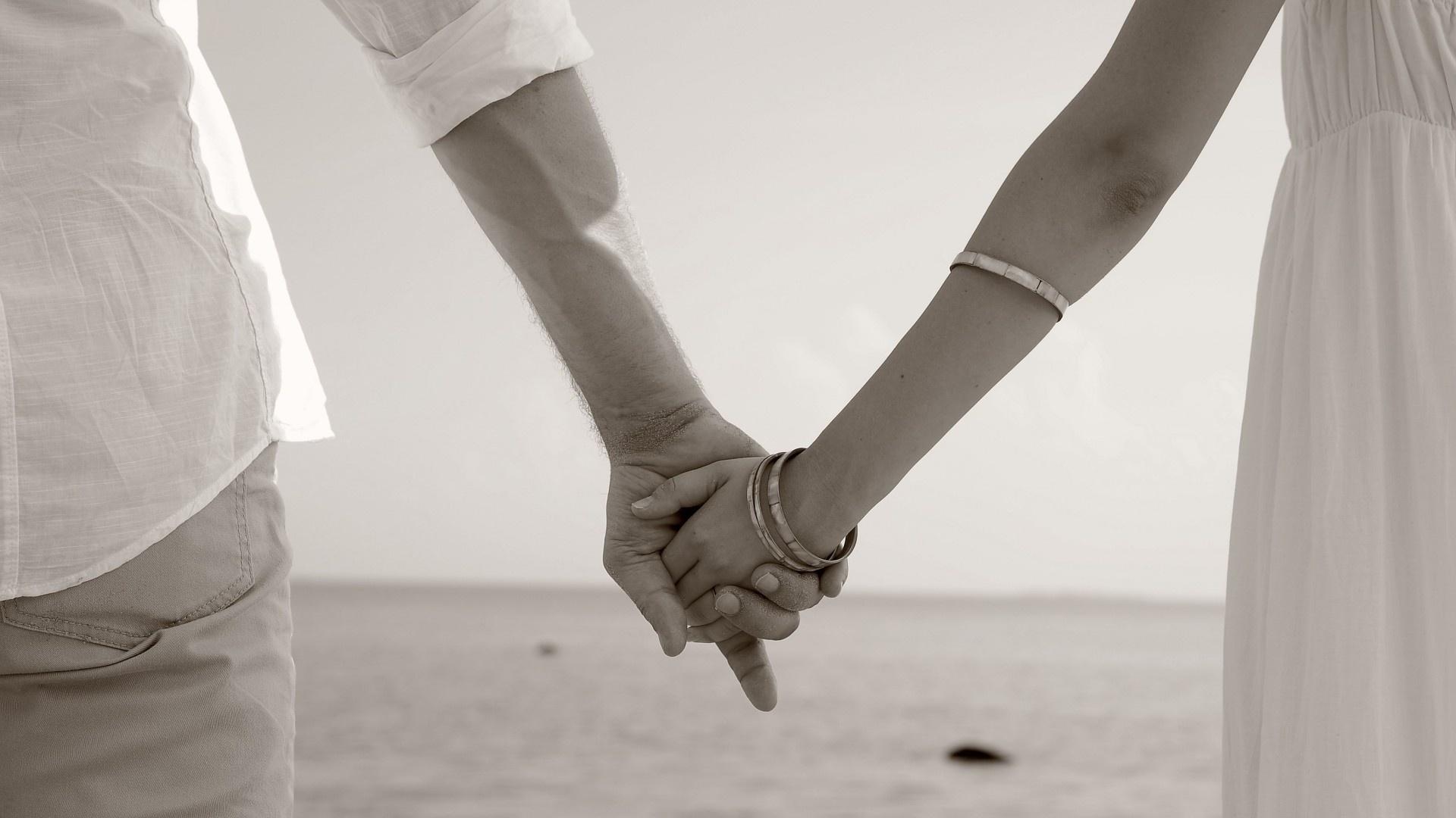 Love Holding Hands Wallpaper For Desktop