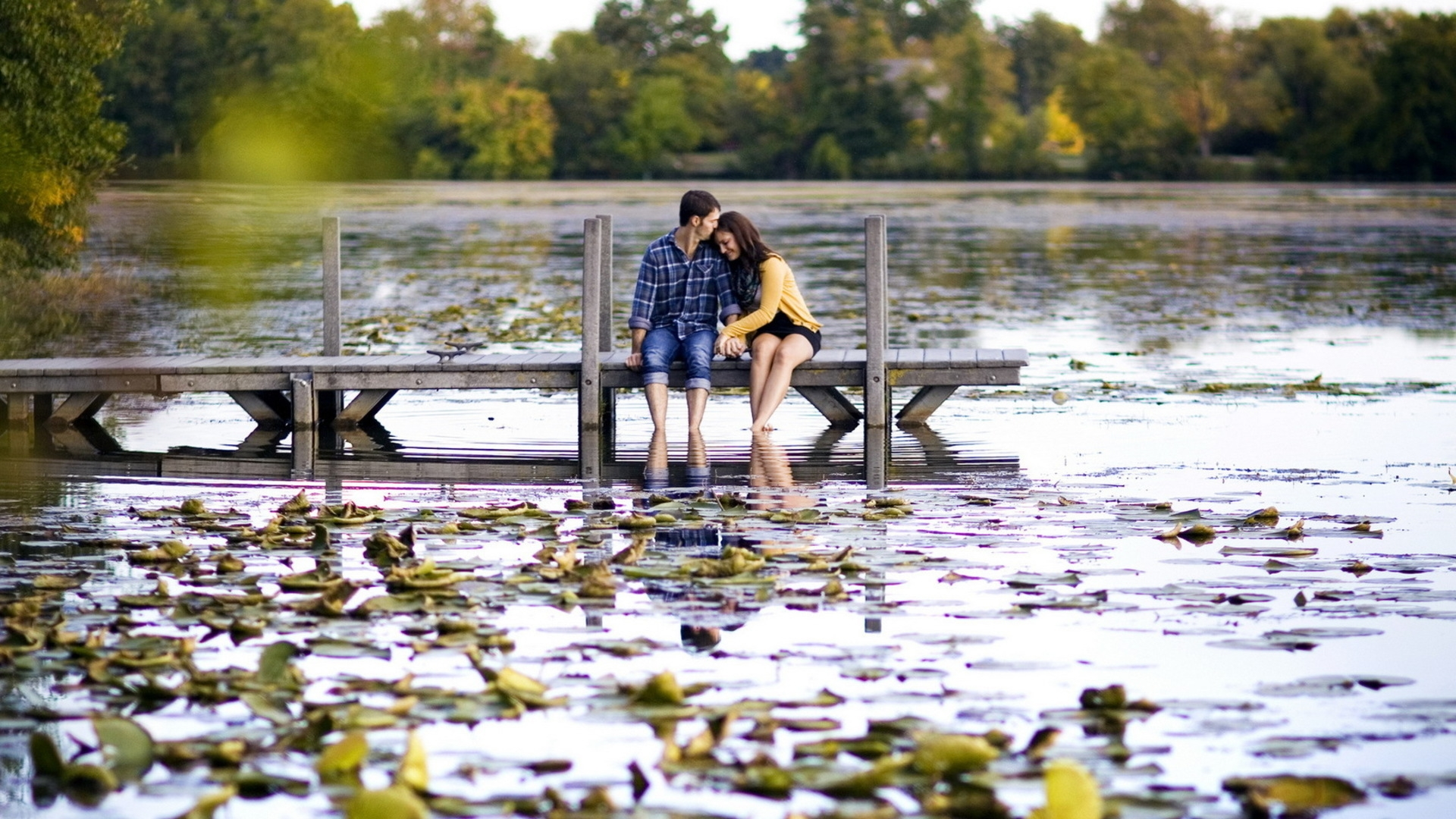 Romantic-Couple-Love-Wallpaper For PC