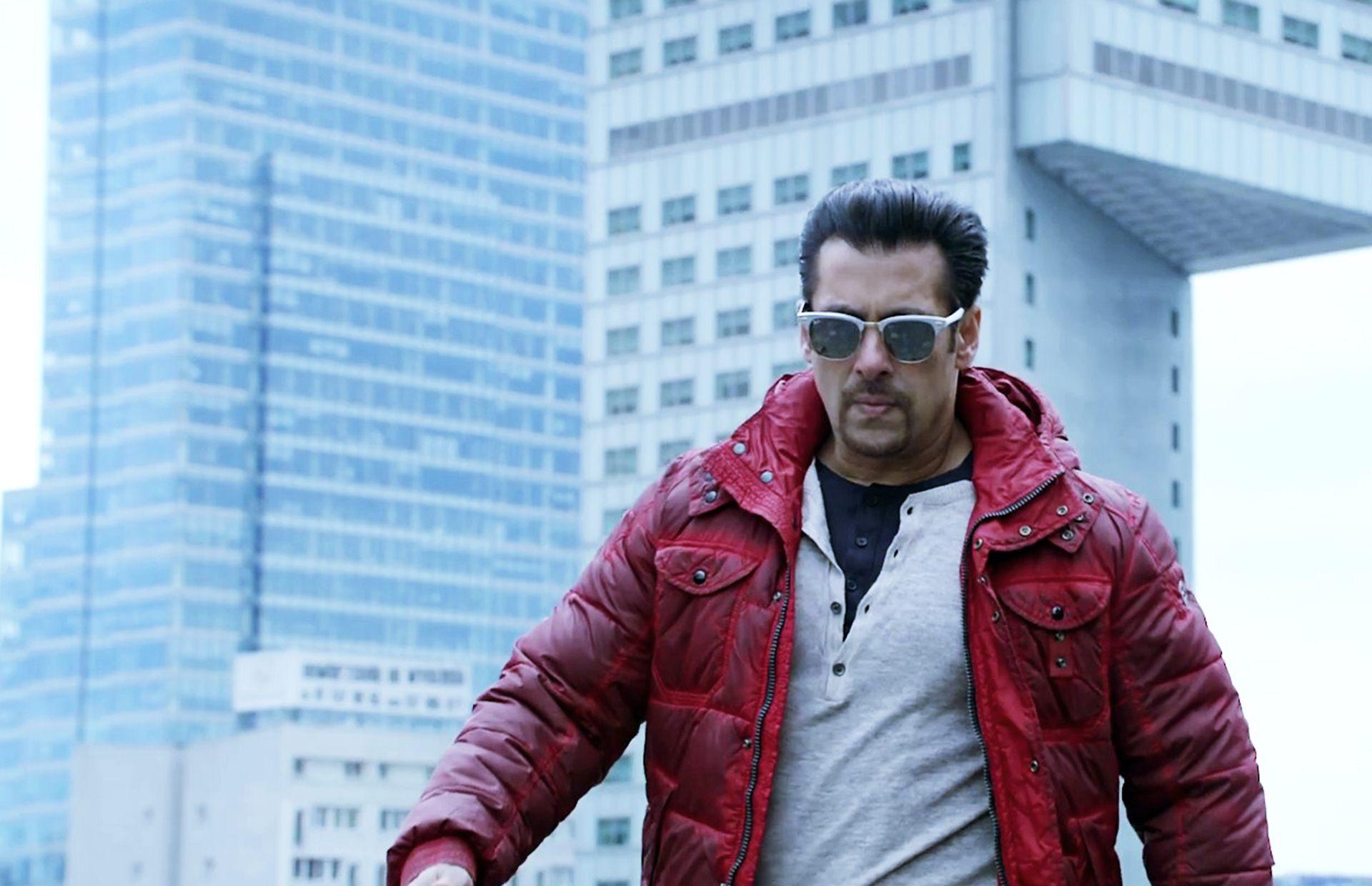 Salman Khan Cute Wallpapers