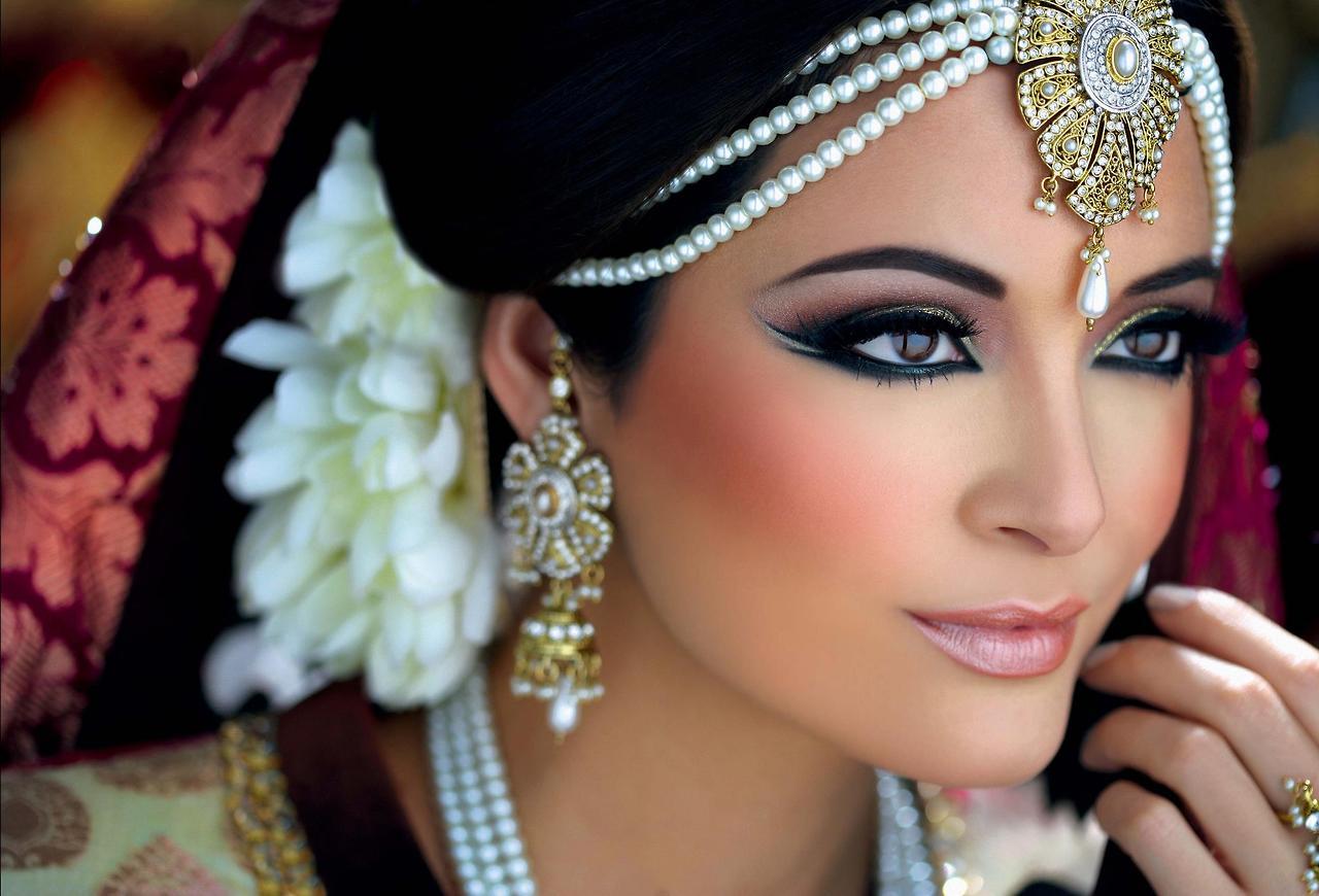 Top 10 Best Bridal Designers Wedding Dresses On Rent Places In Delhi