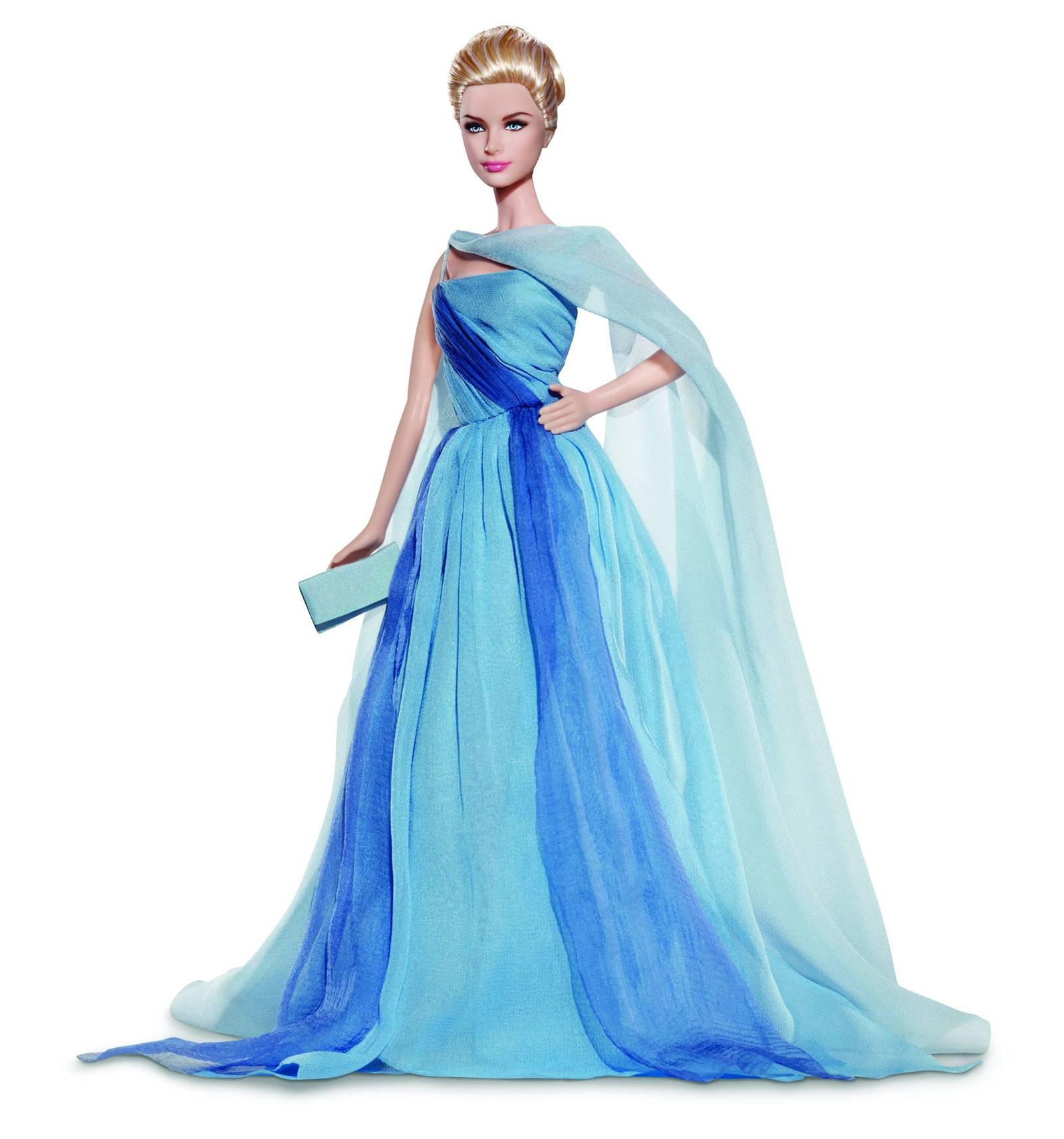barbie wearing long dress wallpapers