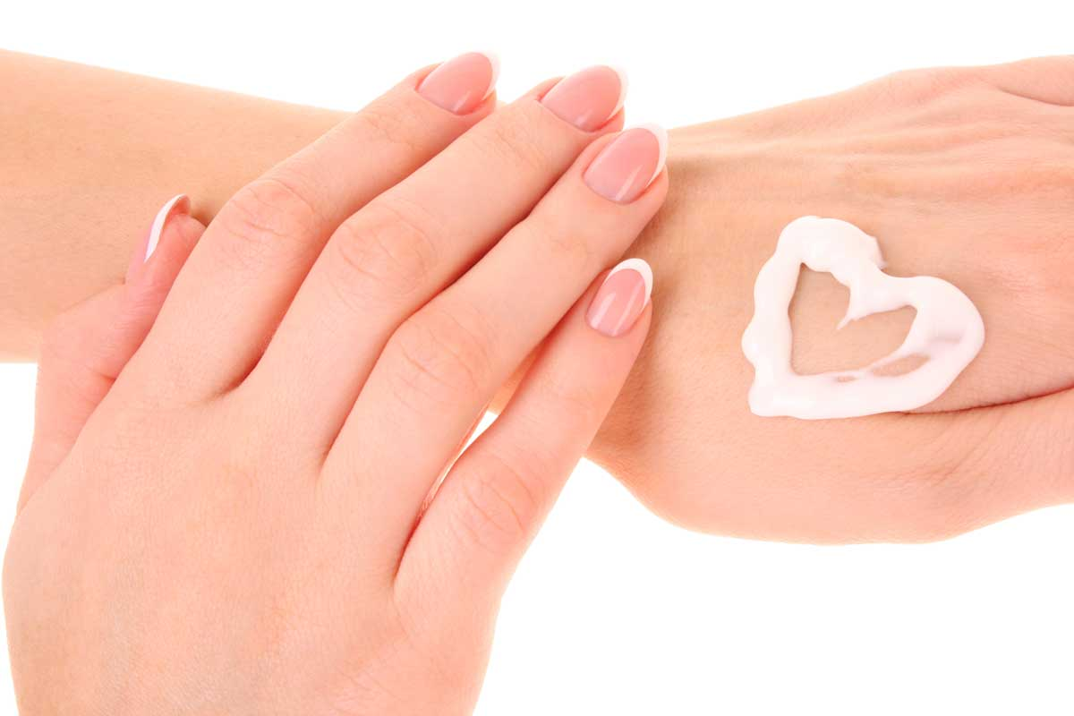 how to do manicure naturally at home