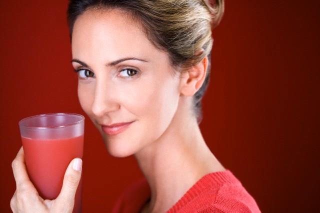 pomegranate juice for skin