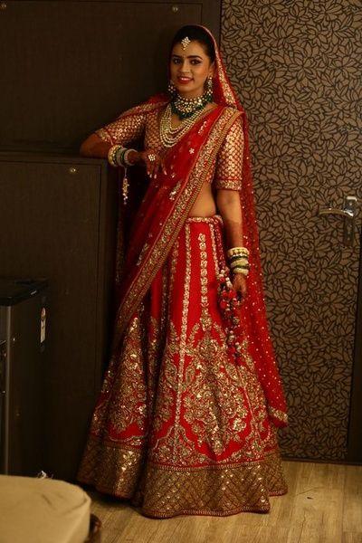 red lehanga for slim bride
