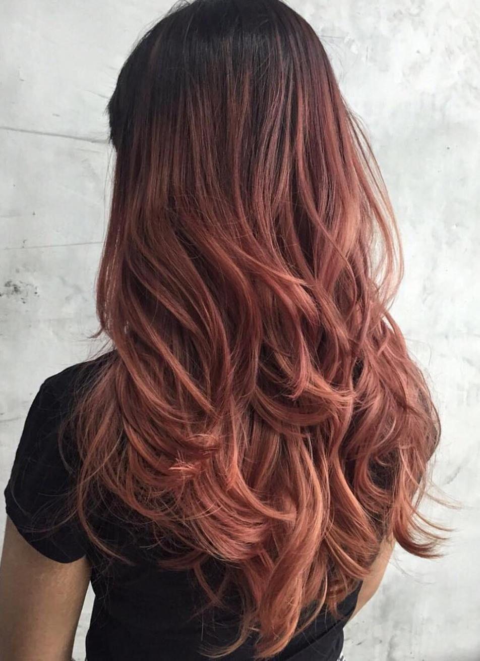 medium brown hair with blonde highlights